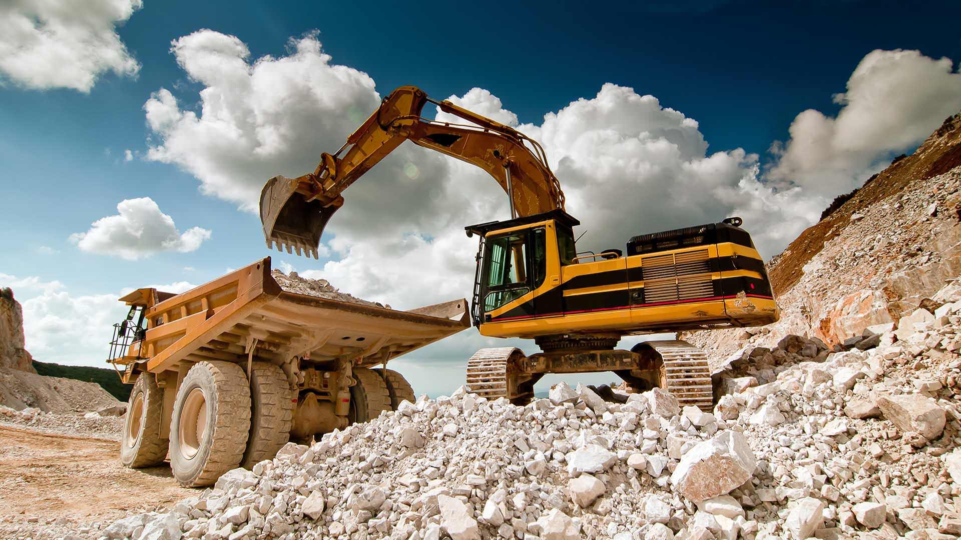 Un bulldozer che scava la terra