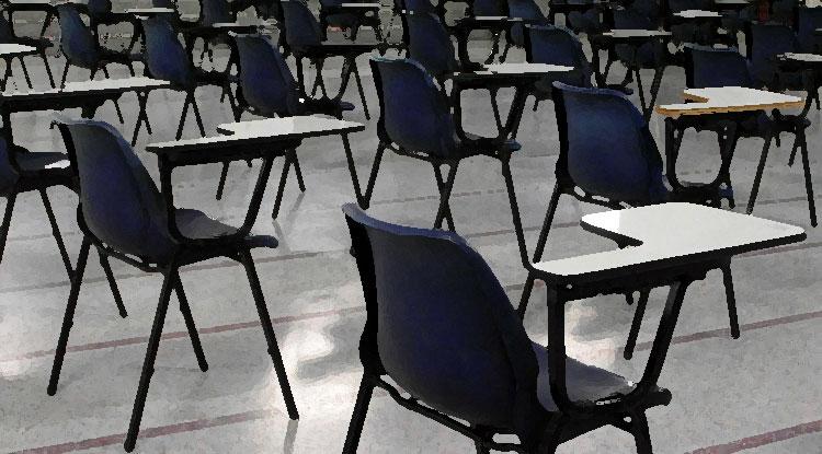 Sedie con scrittoio per esami in aula